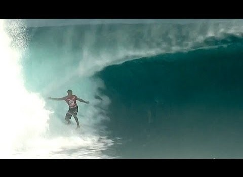 サーフムービー:KELLY SLATER INSANE AT CLOUDBREAK Volcom Fiji Pro 2013