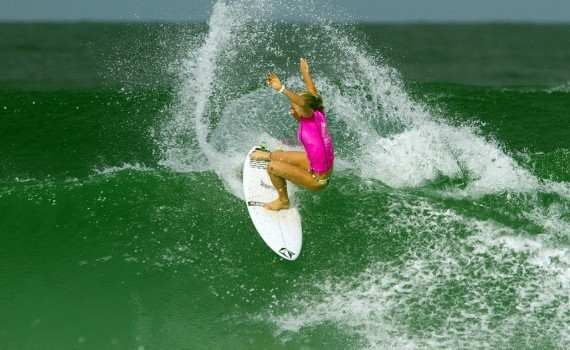 サーフムービー:Coco Ho Dominates Round 4 of Rio Women's Pro