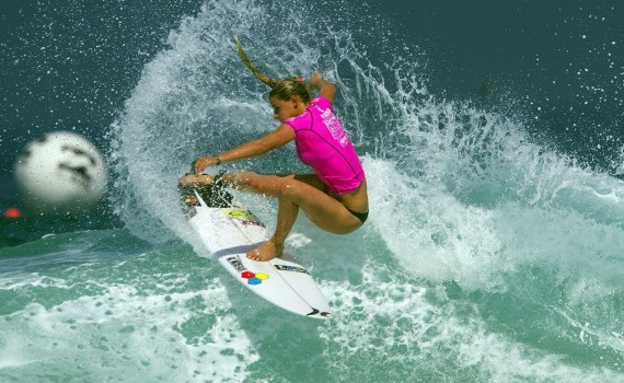 サーフムービー:Lakey Peterson Dominates Round 3 of Rio Women's Pro