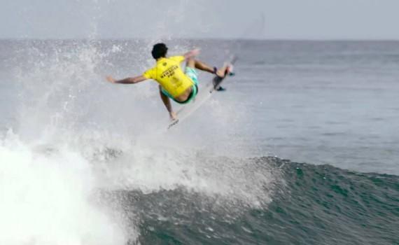 サーフムービー:Highlights: Carmichael Victorious at Haleiwa