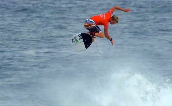 サーフムービー:John John Florence 10 Point Air: Oakley Pro Bali