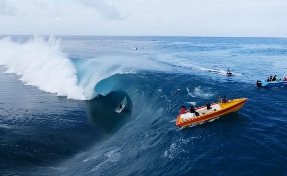 サーフムービー:Teahupo'o Du Ciel | Surfing
