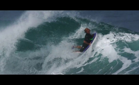 サーフムービー:RIDING IN HAWAI WITH THE BODYBOARDING WORLD CHAMPION