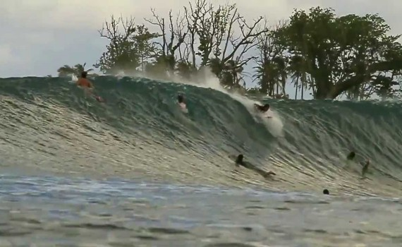 サーフムービー:Mentawai Islands Surf April 9th-16th 2013 Firing Secret Rights, Greenbush & Macas