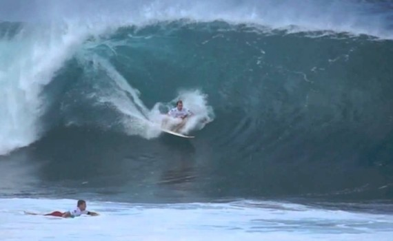 サーフムービー:Biggest Pipeline Masters Surf Ever