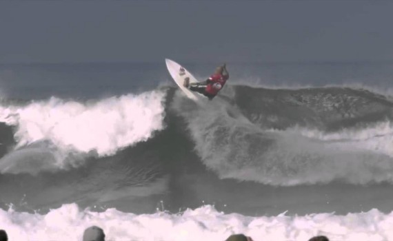 サーフムービー:Kelly Slater best air compilation EVER