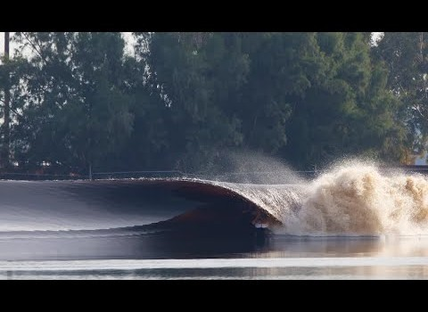 サーフムービー:ケリースレーターのウェーブプール