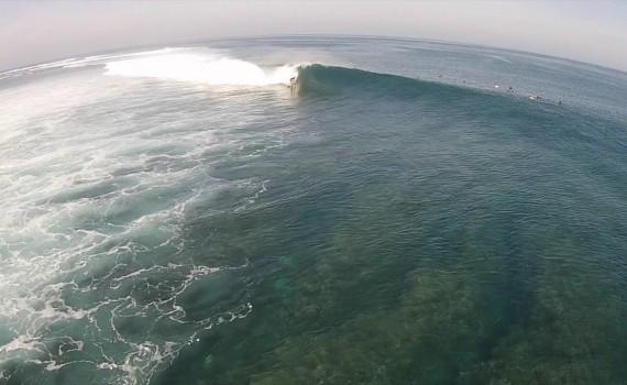 Mandiri Beach Club いい波サーフィン ドローン撮影