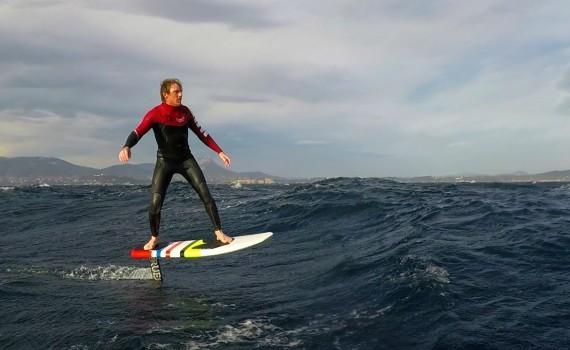 不思議なサーフィン、Hydro foiling